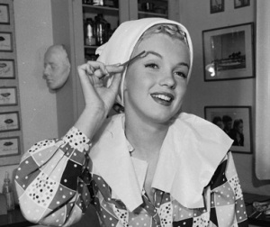 Marilyn Monroe Loved Simple Skincare like Vaseline