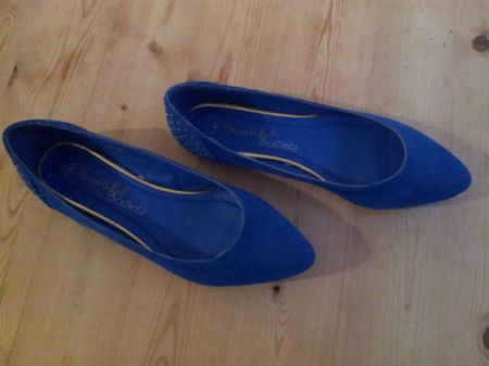 Blue studded ballet pumps
