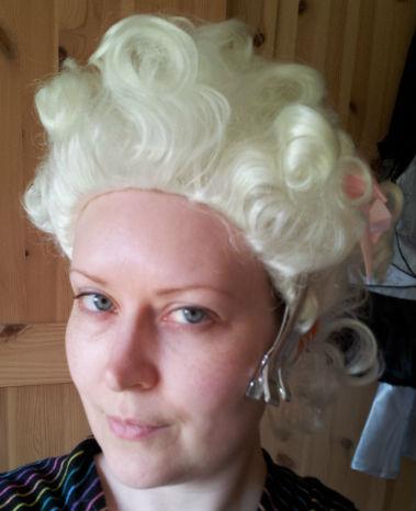 Wig on sans make up