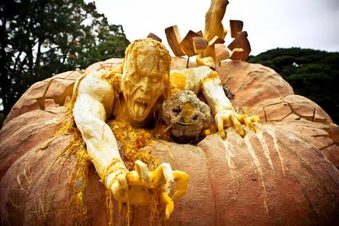 Ray Villafane Rotting Zombie Pumpkin